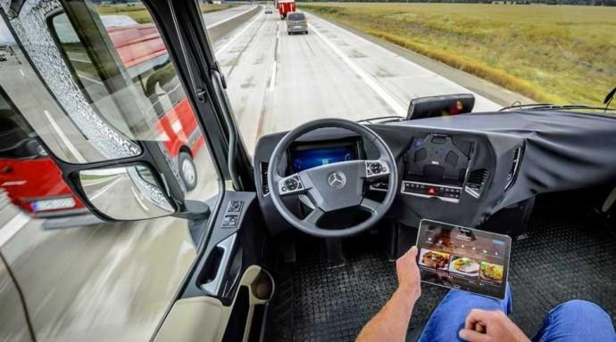 ベンツの自動運転トラック