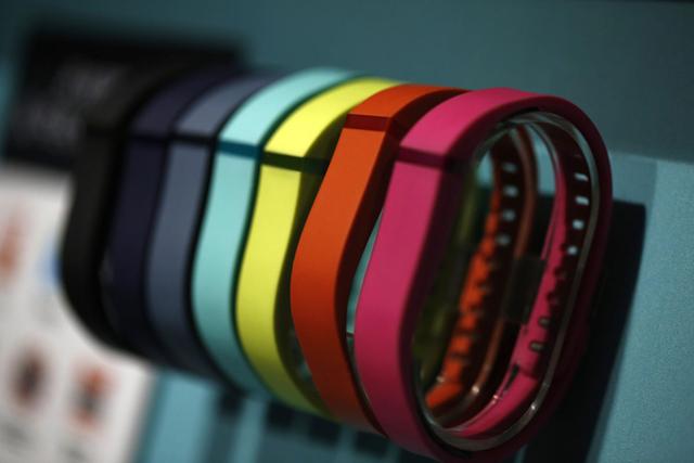Fitbit社のフィットネストラッキングブレスレット