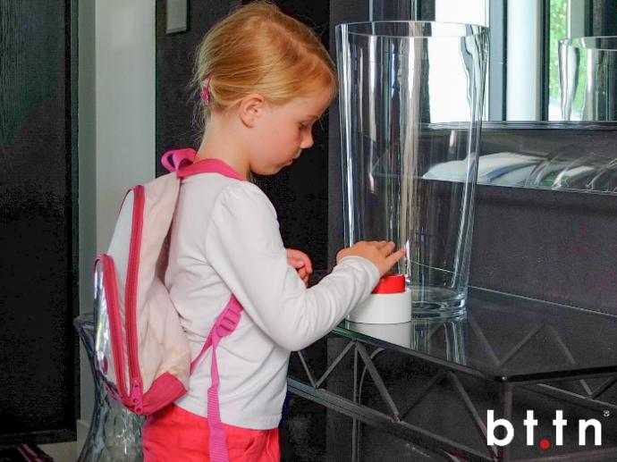 bttn子供が押すボタン