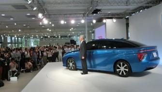 2014年6月25日、「メガウェブ」での燃料電池車関連の記者会見には200人を超えるメディアが集結。