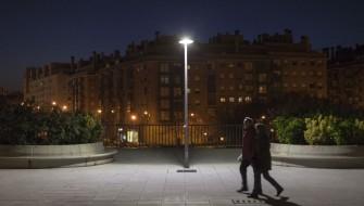 マドリッド市の街灯がすべて省電力タイプに替わる