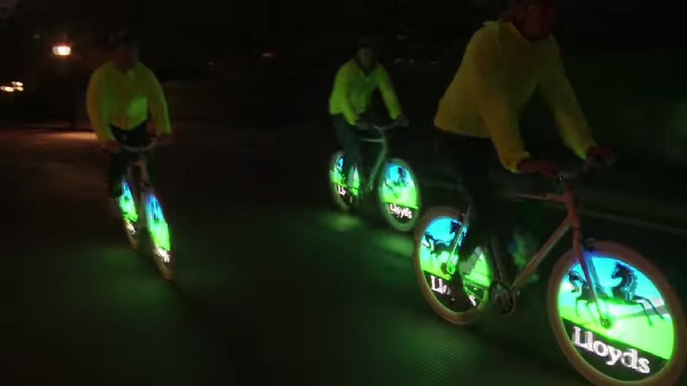Electro Bike_走行中に画像表示