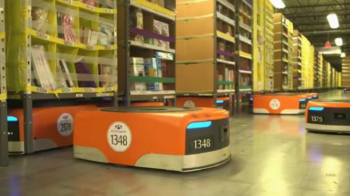 ロボットが働く物流センター