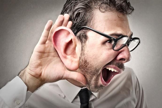 ウェアラブル変声機?高性能マイクで「声」を操れるようになるかも