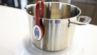 料理もワイヤレスの時代に!? 近未来のキッチンで料理の時間が変わる