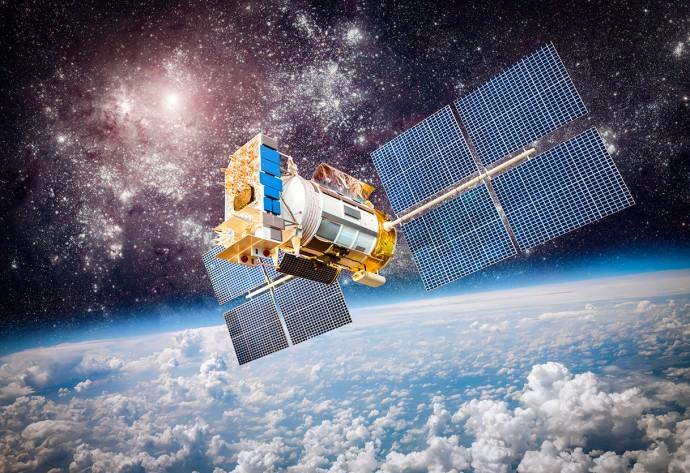 衛星によるネットワークでインターネットはさらに威力を増す