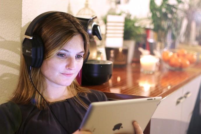 本当の臨場感をスマート3Dヘッドフォン「NEOH」で体験できる