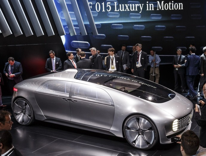 Mercedes-Benz_F_015_Luxury