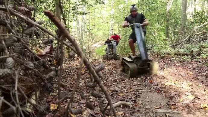 DTV Shredderで山を走る3台
