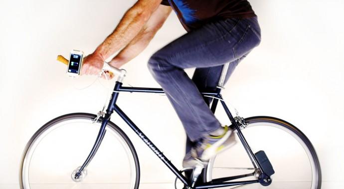 電池が切れたら漕げばいい!「自転車」でスマホが充電できるようになった