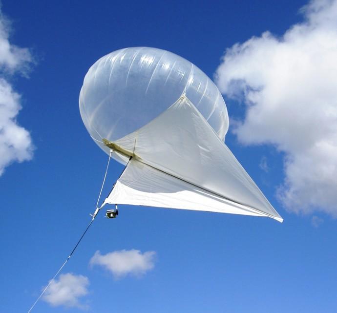この「気球凧」を使えばドローンを超える空撮も可能!?