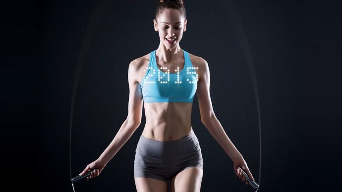 空中に消費カロリーを表示するスマート縄跳び『Smart Rope』