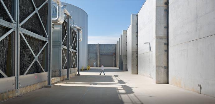 アップルが環境リーダーに!再生可能エネルギーによるデータセンターを建設
