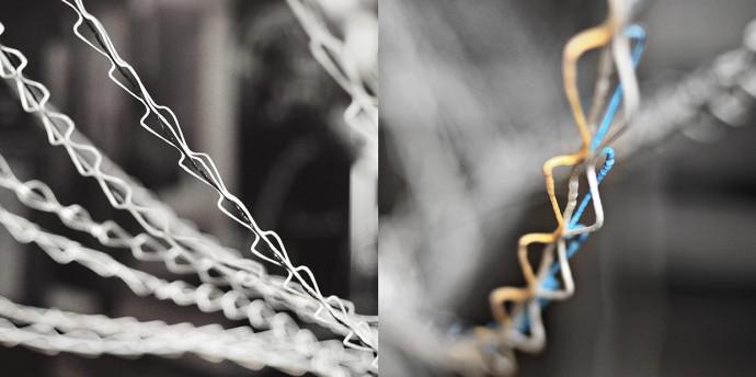 クモの糸を真似た構造物