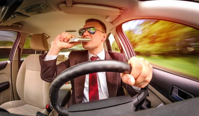 クルマの「自動運転」が実現したらお酒は飲んでもいいの?