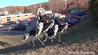 動物愛護はロボットにも適用すべきか?なんて議論を呼びそうなメカ犬
