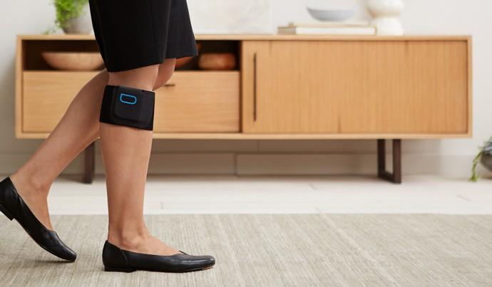 歩く「電気マッサージ」?身体の痛みを和らげる医療用バンド