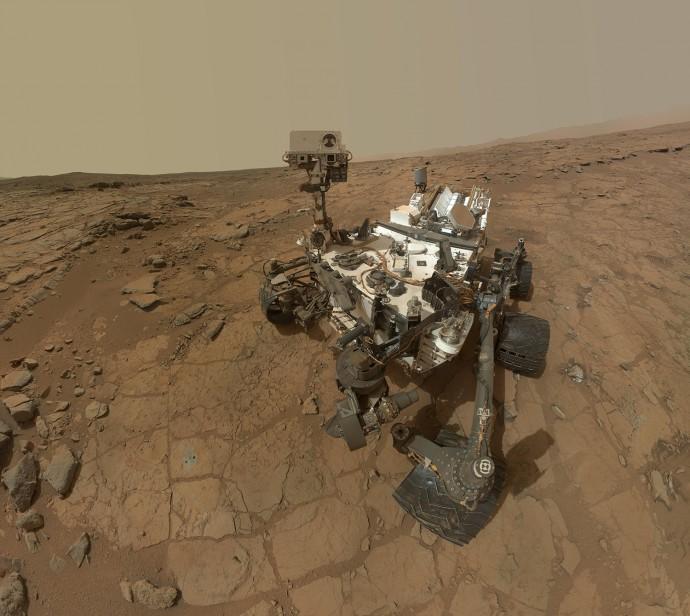 火星に「生命存在」の痕跡か?NASAが地表から窒素化合物を発見