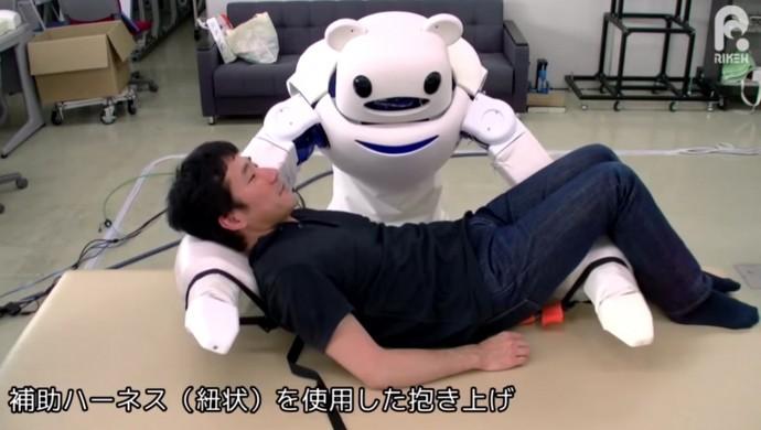 理研のクマ型ロボット!? 「ROBEAR」がヘルパー不足を解決するか