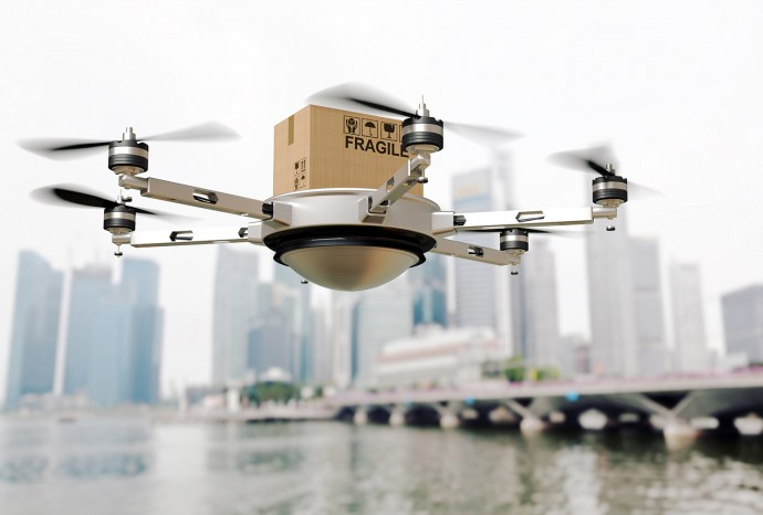 Amazonが空から宅配!? 米連邦航空局がドローン耐空証明を発行