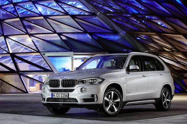 BMWがPHVの開発を本格化!313馬力の量産PHVを発表