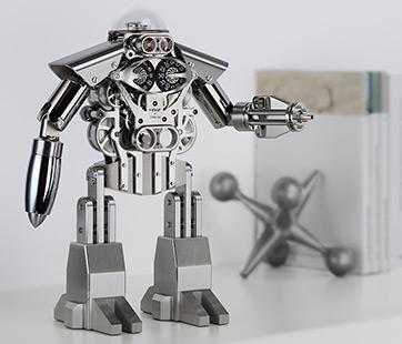 99台限定の「ロボット時計」登場!精密工作技術の進化はここまできた