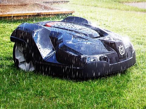 Automower 330Xは雨でも稼働する