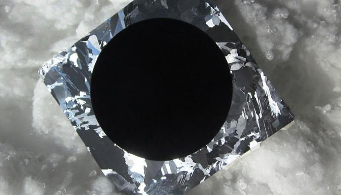 「ブラックシリコン」のソーラーセルが変換効率の新記録を更新!