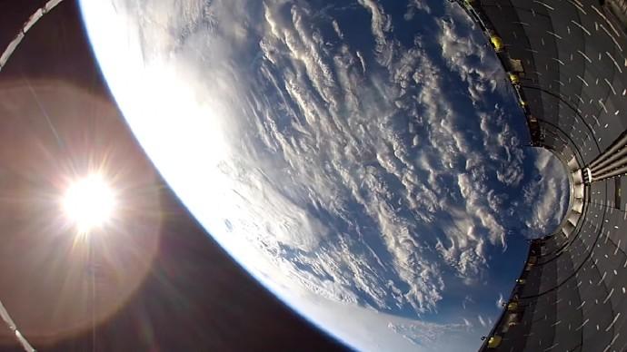SpaceX社がGoproで撮影・・・「Falcon 9」の映像に映っていたものはナニ?