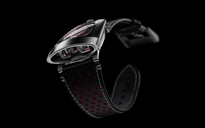 スーパーカーが腕の上に!MB&Fの機械式腕時計「HMX」が心をくすぐる
