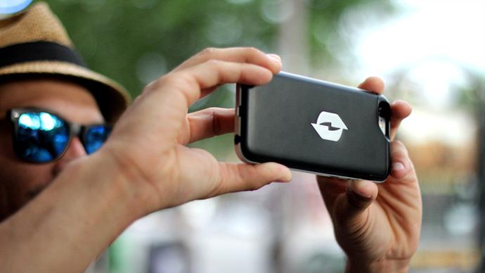 無駄な電波をエネルギーに変えるスマホケース「Nikola Labs Phone Case」