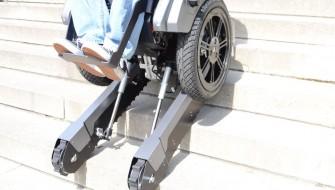 階段も登る車椅子「Scalevo wheelchair」