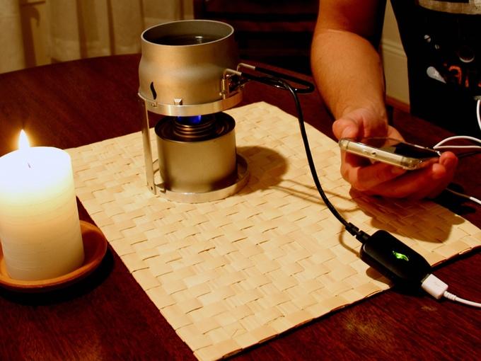 キャンドルをつかった熱発電でスマホを充電するアイテム