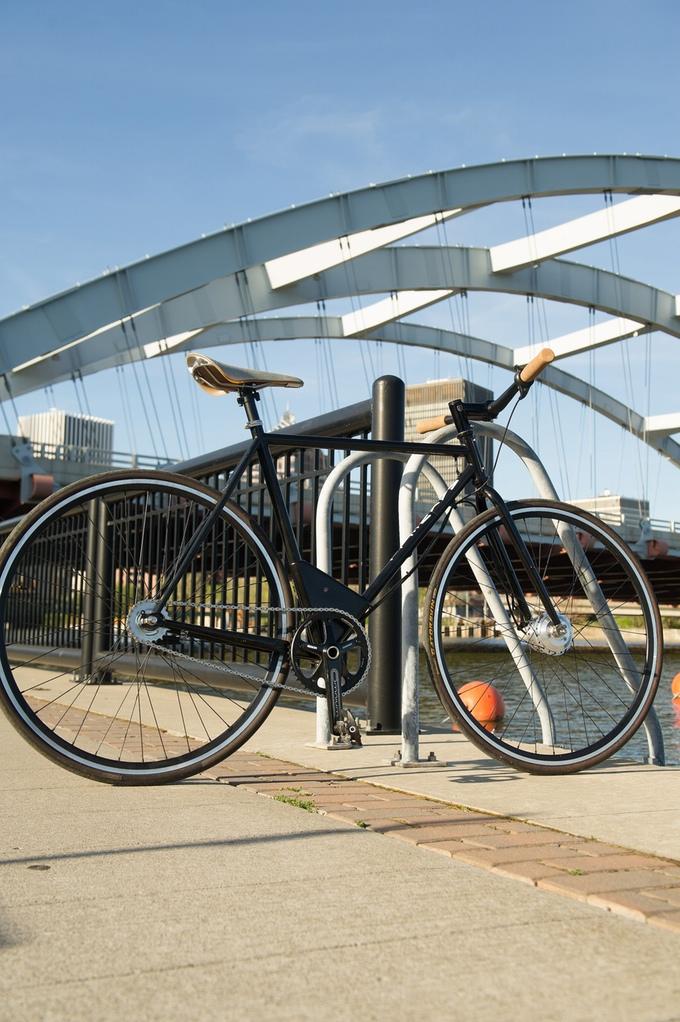 パッと見は普通の自転車にしか見えない!? 超軽量電動アシスト自転車「Maxwell EP0」