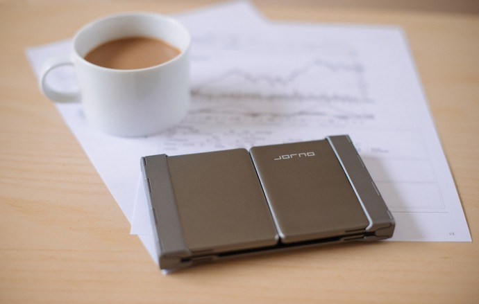 折りたたんでポケットにも収まる!コンパクトなワイヤレスキーボード「Jorno」