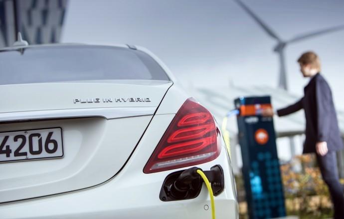 Mercedes_Benz_S500_PHV