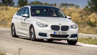 BMWが「5シリーズGT」の燃料電池車プロトタイプを初披露
