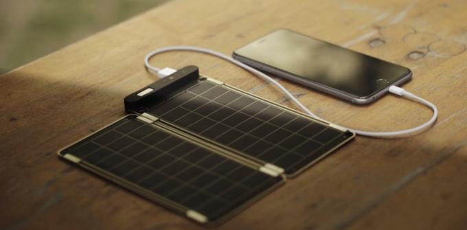 世界最薄・最軽量のソーラー充電器「Solar Paper」