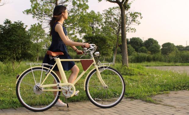 GPS追跡機能・盗難防止機能搭載!USB接続可能な軽量型電動アシスト自転車「Vela」