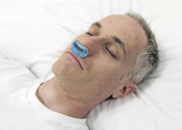 無呼吸症候群の治療を楽にしてくれるマイクロCPAP「Airing」