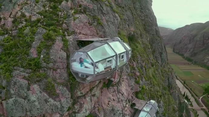 コンドルの巣に寝てみないか?新感覚冒険ツアー「Skylodge Adventure Suites」