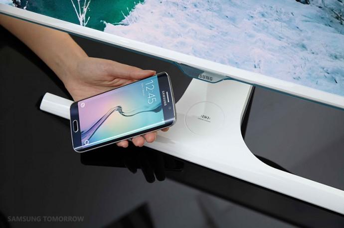 そんなことできるの?ワイヤレスでモバイル端末を充電できるモニターをサムスンが開発