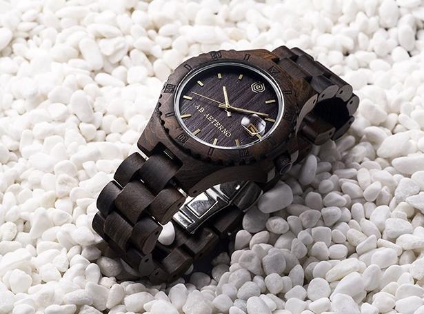 他の人とは違う贅沢を身に着けたい・・・100%オーガニックのお洒落なイタリア製腕時計