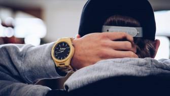疲れた気分も癒やされる…わずか54gの「竹製腕時計」がお洒落すぎる