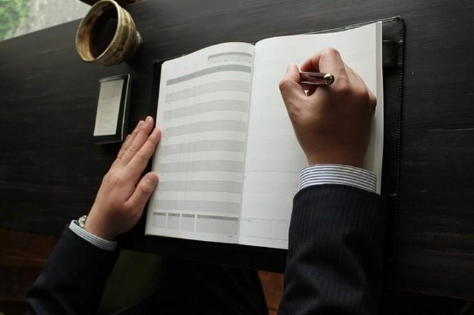 レイアウトの工夫で営業力アップ!? 「 営業マンの使い勝手に特化した」手帳
