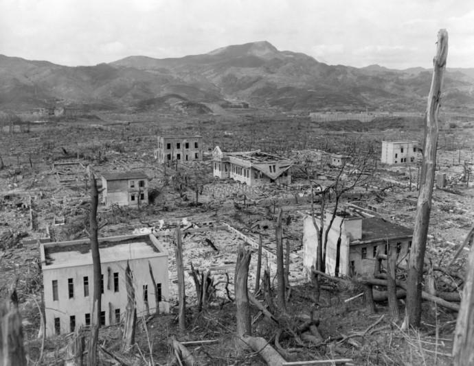 爆弾 原子 原爆と水爆の違いは?