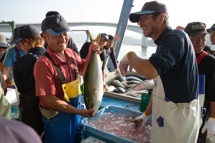 養殖水揚げ量日本一の長島町のブリは「鰤王」としてブランド化されている (写真提供 株式会社ビズリーチ)
