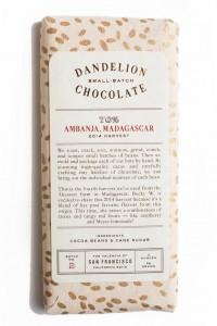 ベネズエラ、マダガスカル、ドミニカなどの産地別バー。ワインのように収穫年も記載される(写真提供:Dandelion Chocolate Japan)