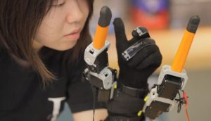MITnews_7finger_01